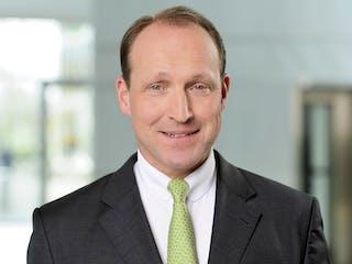 Dr._Rohlfs_Vorstand_Vertrieb.jpg
